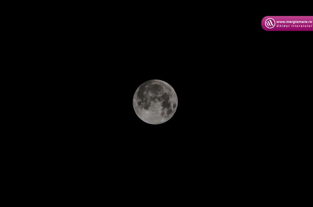 3-Full-moon-merglamare.ro